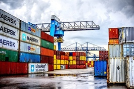 Đề xuất tăng giá bốc dỡ container cảng biển giữa Covid-19 có khả thi hay không
