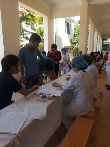 Đội ngũ lái xe Apectrans Hải Phòng tiến hành tiêm Vắc Xin Covid 19